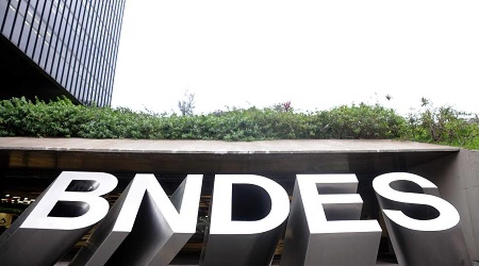 nova gestão do bndes prioriza a venda das ações da jbs