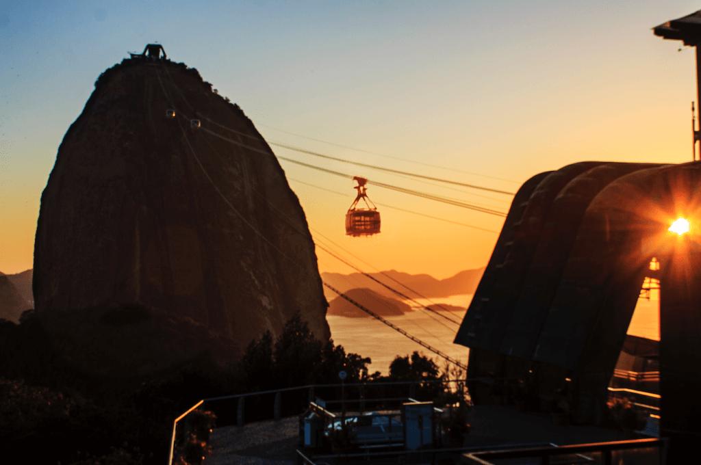 copacabana palace leva hóspedes para ver o nascer do sol