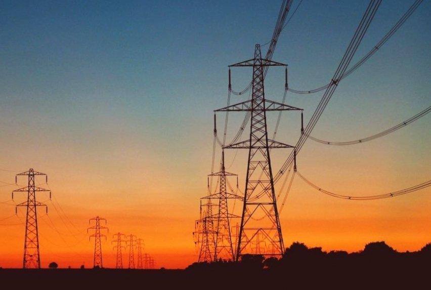 energia elétrica retrocede 4,24% em dezembro