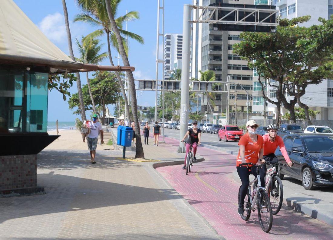 restrições nas praias do recife não afastam moradores